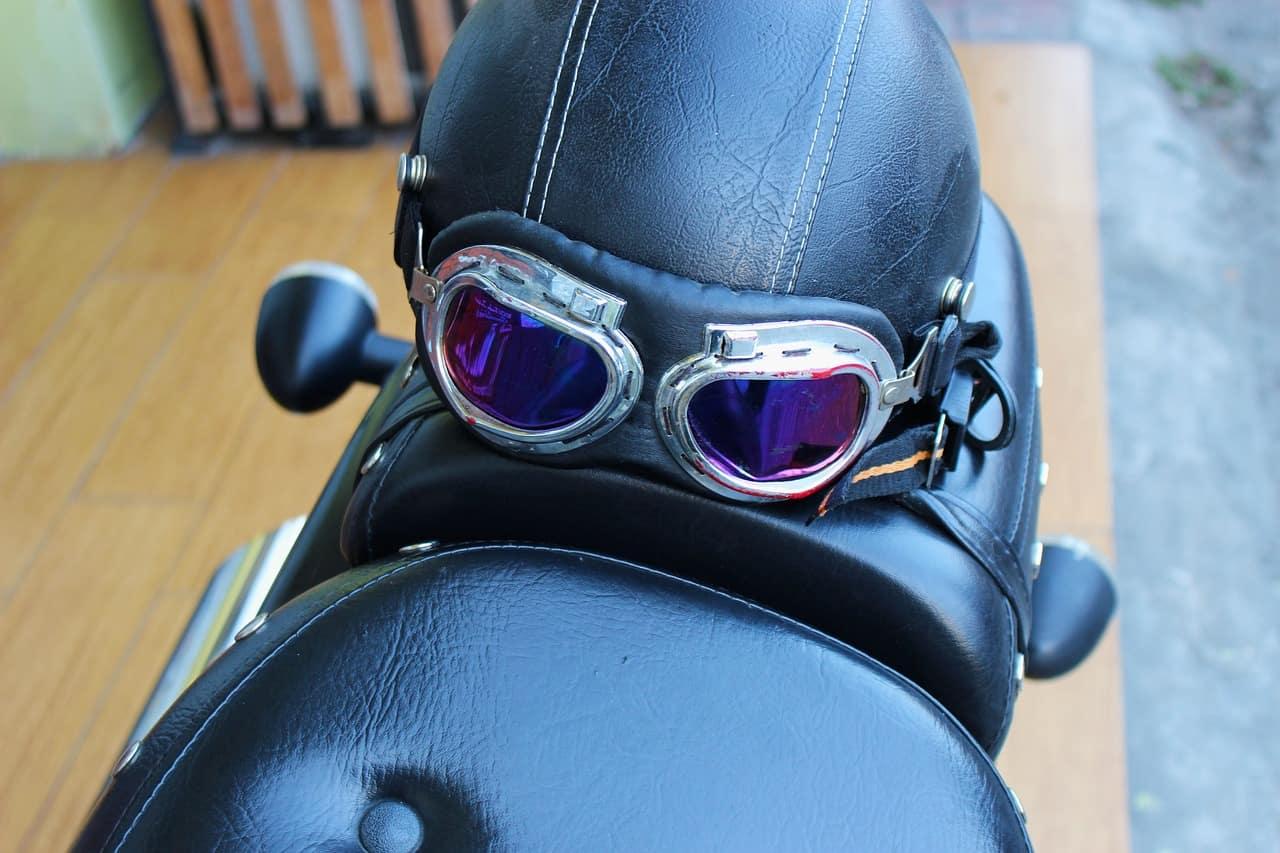 motorbike goggles black helmet