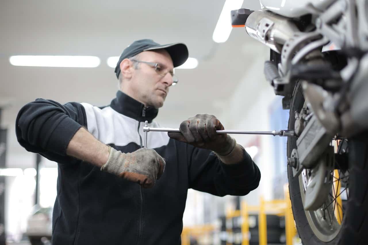 man maintenance tire