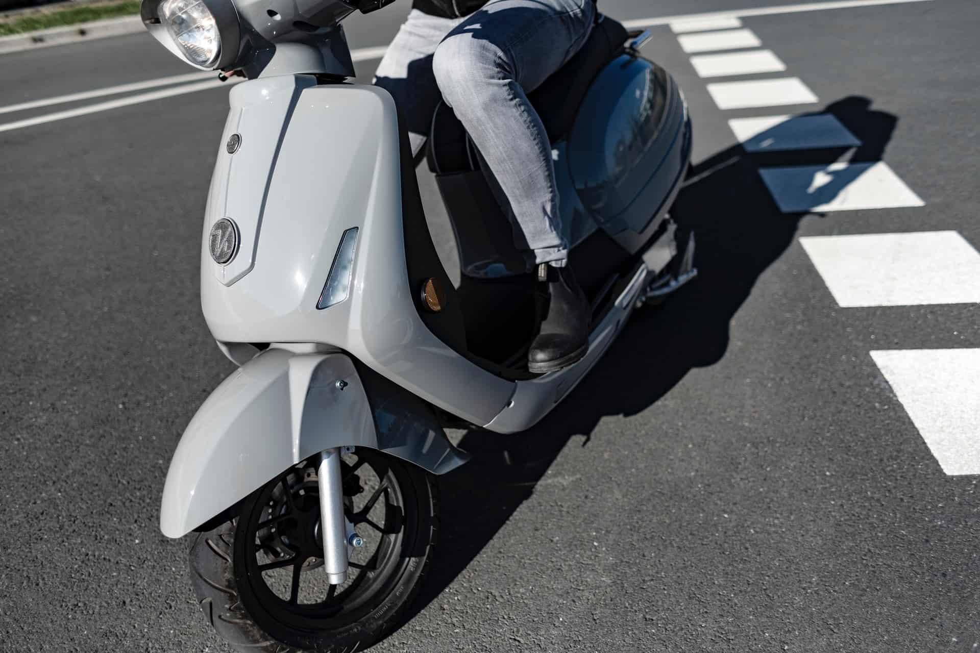 scooter bike turning